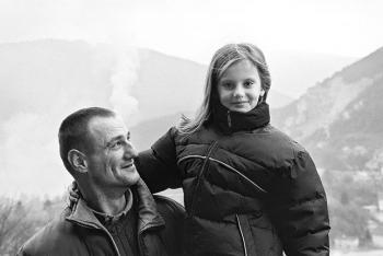 Vernes with his daughter Nadja in Old Town Jajce, 2003.